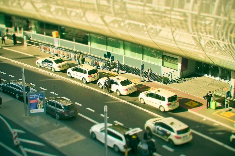 Artisans Taxis d'Evreux transport médical ou professionnel -  Taxi adapté PMR